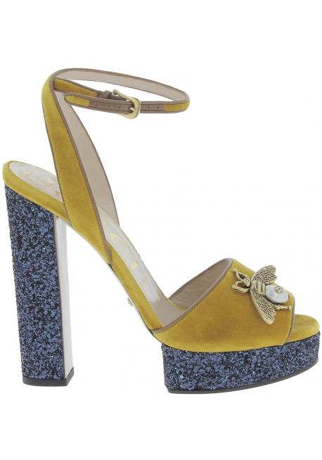 99361c2fd434 Gucci Sandales femme en Veau Jaune cuir avec bleu plateforme ...